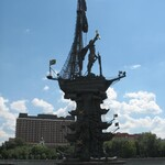 File-Peter_the_Great_Statue-from_Moskva_River-side-min.jpg