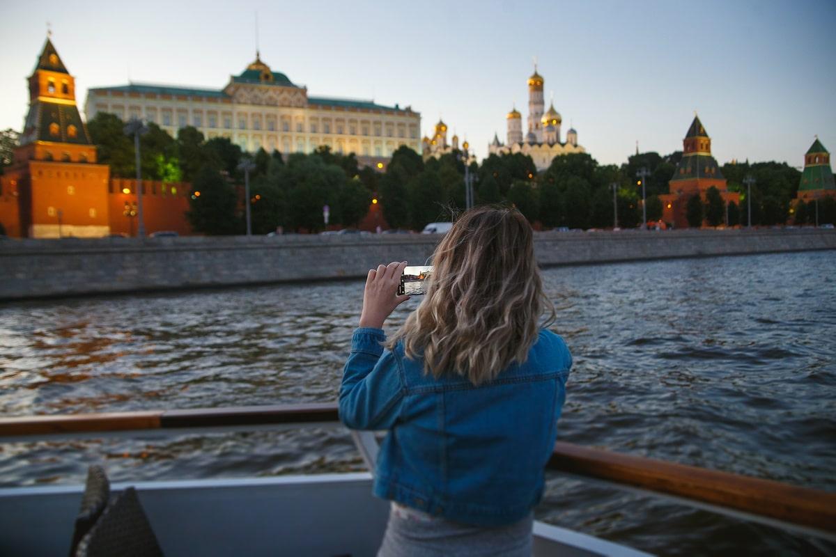 Обзорная экскурсия на теплоходе по Москве-реке 2021