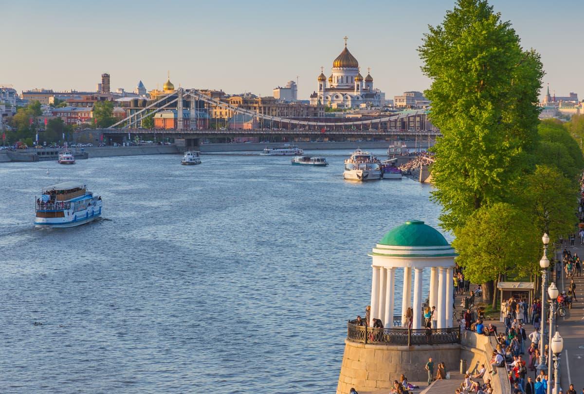 Прогулка по Москве-реке от Киевского вокзала на речном трамвае 2021