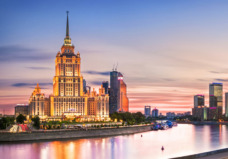 Прогулка на теплоходе по Москве с обедом или ужином 2021